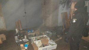 У Запорізькій області наркозалежний влаштував у гаражі матері лабораторію з виробництва заборонених речовин, – ФОТО