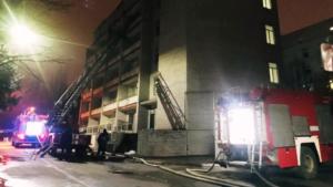 Как тушили пожар в Запорожской областной инфекционной больнице, – ФОТОРЕПОРТАЖ, ВИДЕО