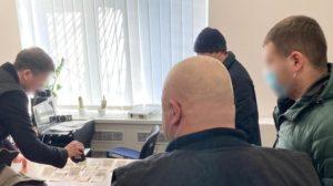 В Запорожской области продавец контрафактных сигарет пытался подкупить полицейского, – ФОТО