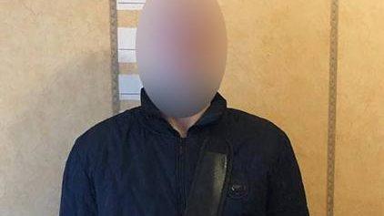 В Запорожье в маршрутке у девушки похитили дорогой телефон: вора задержали, – ФОТО