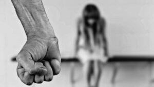 Житель Запорізької області зґвалтував 13-річну дівчинку та порізав ножем її сестру – свою співмешканку