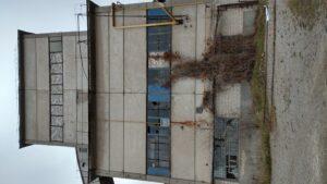 В Запорожье распродают по частям имущество обанкротившегося завода, который превратился в руины, – ФОТОРЕПОРТАЖ