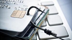 У Запорізькій області співробітники банку зняли з рахунків клієнта 3 тисячі доларів