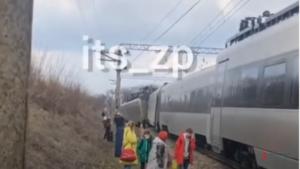 Под Запорожьем сошел с рельсов поезд Интерсити: в УЗ рассказали подробности аварии