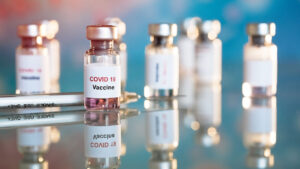 В Запорожской области за последние сутки прививки от COVID-19 сделали еще 705 человек