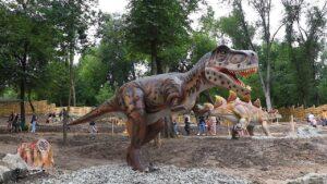 Парк динозавров в запорожской Дубовой роще показали с высоты птичьего полета, – ВИДЕО
