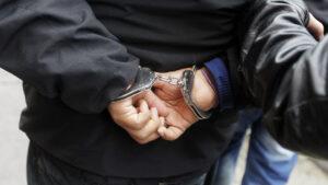 В Запорожье грабитель дачников пытался убежать от полиции по реке, – ВИДЕО