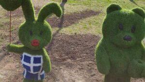 В центрі Запоріжжя відновили зелені скульптури, які тогоріч мали велику популярність
