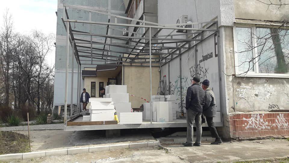 В Запоріжжі зупинили будівництво незаконної прибудови до житлового будинку, — ФОТО