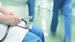 У Запоріжжі через помилку лікарів помер 9-місячний малюк