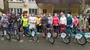 Медпрацівники Мелітополя отримали велосипеди, щоб діставатися до роботи в період карантину