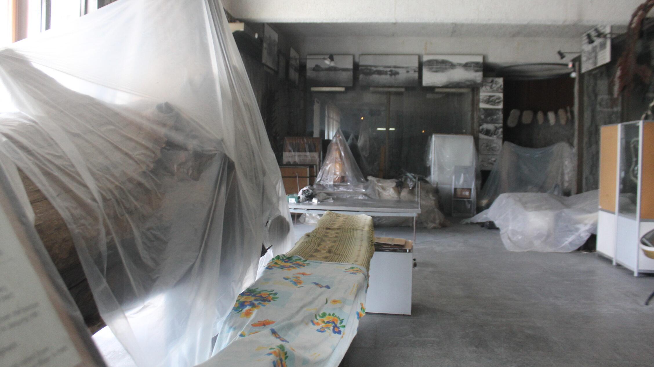 В Запорожье на Хортице из-за постоянного протекания крыши разрушается здание музея истории казачества, – ФОТОРЕПОРТАЖ