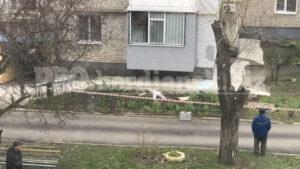 В Запорожской области мужчина порезал вены после того, как его девушка выбросилась из окна, – ФОТО