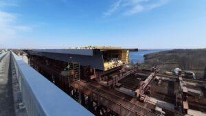 «Строится небывалыми темпами»: замглавы Офиса президента и руководитель Укравтодора посетили строительство запорожских мостов, – ФОТО