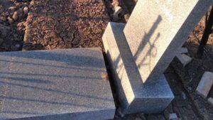 Під Запоріжжям на кладовищі знову орудують вандали: за інформацію про них обіцяють гроші, — ФОТО