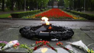 В Запорожье на Аллее Боевой Славы ветераны Второй мировой и АТО зажгли «Огонь памяти», – ФОТО