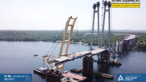 В Запорожье установили вторую секцию вантового моста через Днепр: как это было, – ФОТО, ВИДЕО