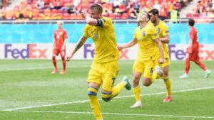 Запорізькі вболівальники відправилися до Бухаресту підтримати українську збірну: як це було, — ВІДЕО