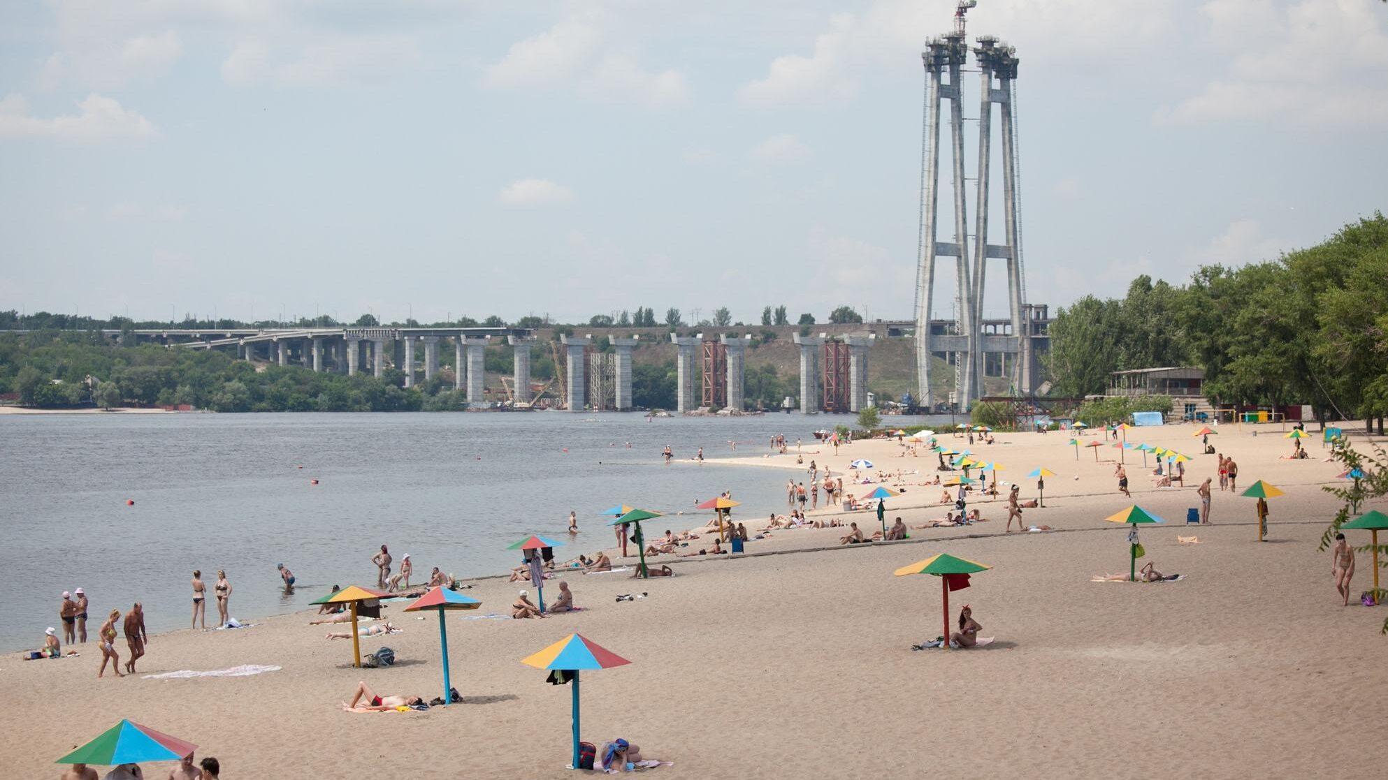 В Запорожье на Центральном пляже утонул 14-летний ребенок