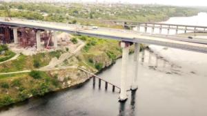 У Запоріжжі активно продовжують будівництво мосту з Хортиці на Бабурку: що вже зроблено, – ВІДЕО