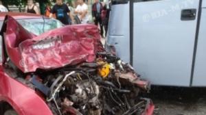 В Запорожской области пьяный водитель влетел в автобус с детьми, – ФОТО, ВИДЕО
