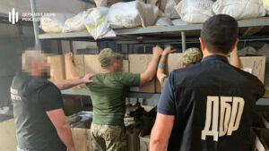 В Запорожье военнослужащие занимались хищением со склада воинской части, – ФОТО