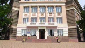 В Запорожье затопило первый этаж и подвал гимназии №11
