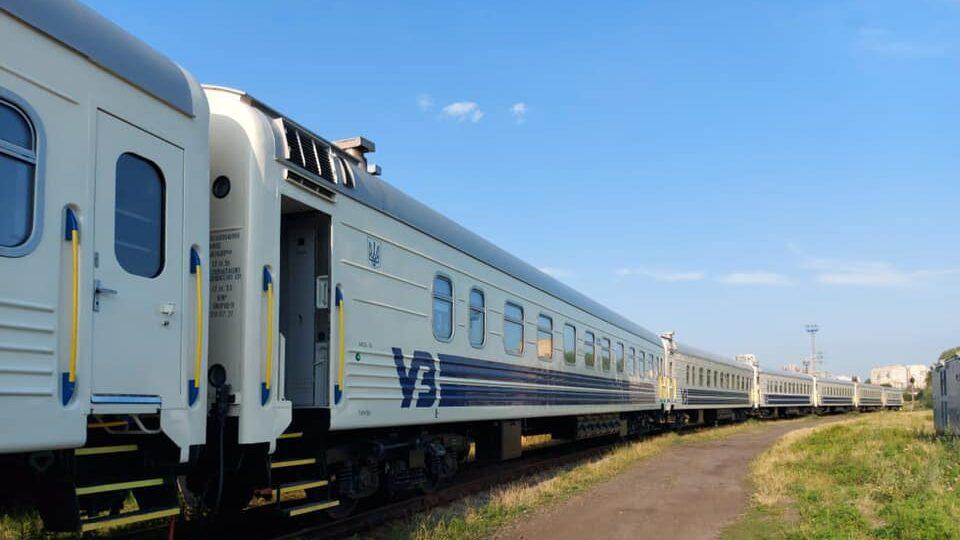 Із Запоріжжя до Києва будуть курсувати модернізовані пасажирські вагони-трансформери, – ФОТО