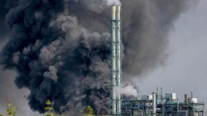 В Германии на химическом производстве произошла техногенная катастрофа: людей просили закрыть окна и не выходить из дома