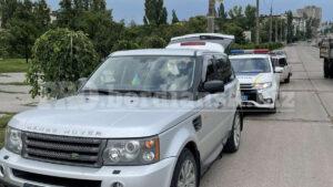 На запорожском курорте задержали водителя элитного внедорожника «под кайфом» с наркотиками в машине, – ВИДЕО
