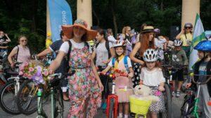 У Мелітополі відбувся велопарад дівчат, – ФОТО