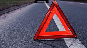 У Запорізькій області легковик злетів у кювет: постраждало двоє молодих людей