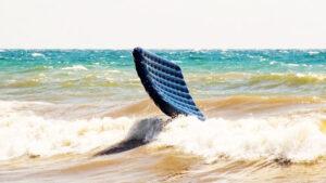 На запорізькому курорті відпочиваючих віднесло на матраці у відкрите море