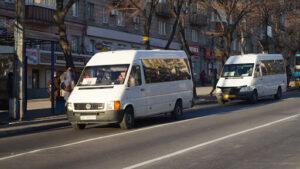 Перевозчиков, которые не выводят в Запорожье транспорт на маршруты в вечернее время, оштрафовали