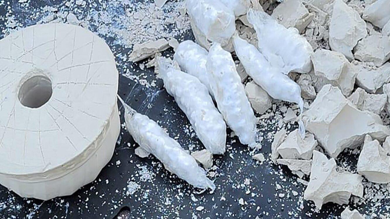 Запорізькі правоохоронці ліквідували канал контрабанди наркотиків до окупованого Донецька: речовини ховали у глечиках, – ФОТО, ВІДЕО