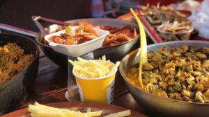 Вкусная уличная еда и развлечения: как в Запорожье проходит фестиваль «Пикник на Радуге», – ФОТОРЕПОРТАЖ