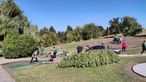День міста Запоріжжя: комунальники готуються до свята і прикрашають ландшафтний парк на «Райдузі», – ФОТО