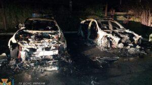 В Запорожье ночью сгорели две припаркованные легковушки, - ФОТО