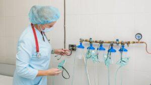 Метинвест поставит 300 тонн кислорода больницам Киева и Харьковской области